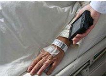 Lector RFID a mano para resolver problemas de gestión médica